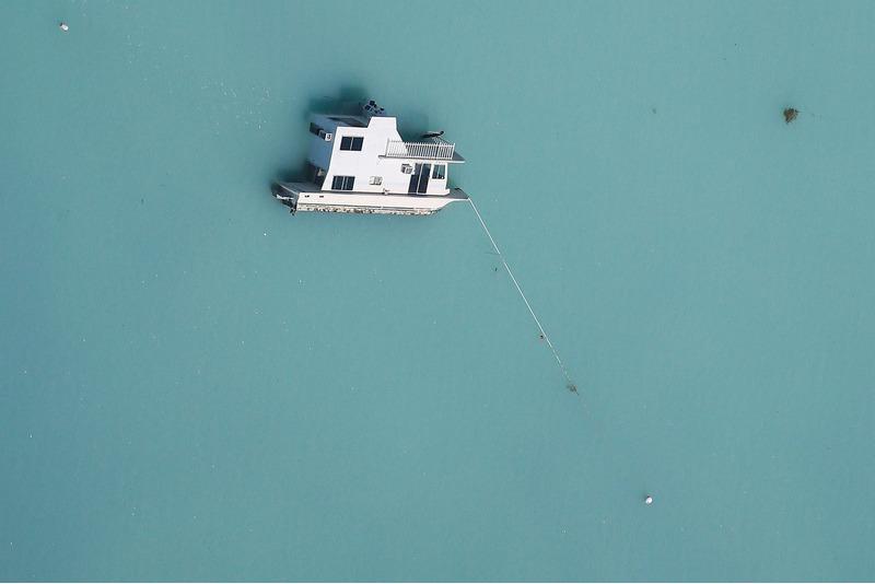 Затонувшая лодка во Флориде