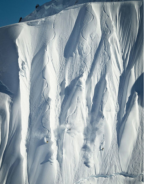 сноубордисты покоряют вертикальные склоны Аляски