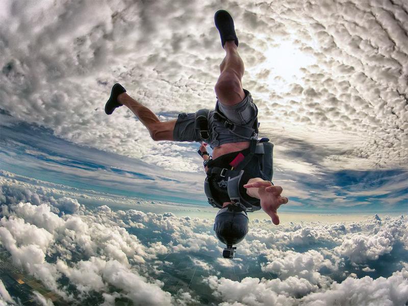 Сумасшедший прыжок с парашютом