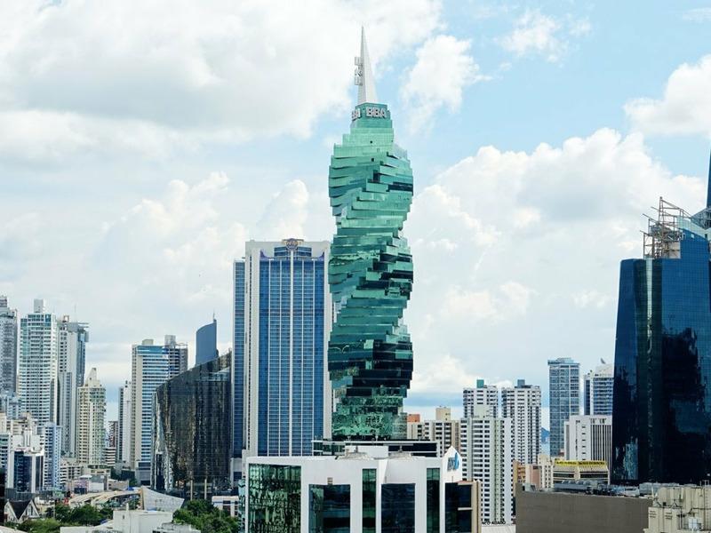Небоскреб в Панама-Сити
