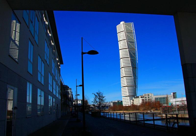 Спиральный небоскреб Turning Torso в Мальме