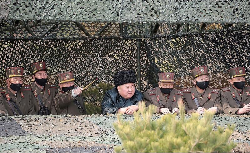 Ким Чен Ын на соревнованиях артиллерийских корпусов