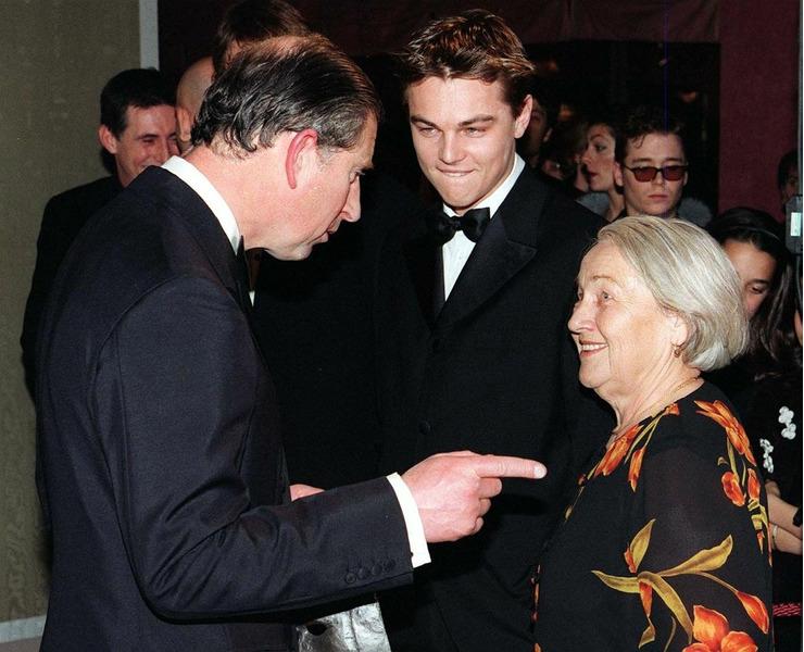 Леонардо Ди Каприо знакомит Елену Степановну с принцем Чарльзом, Лондон, 1998 год.