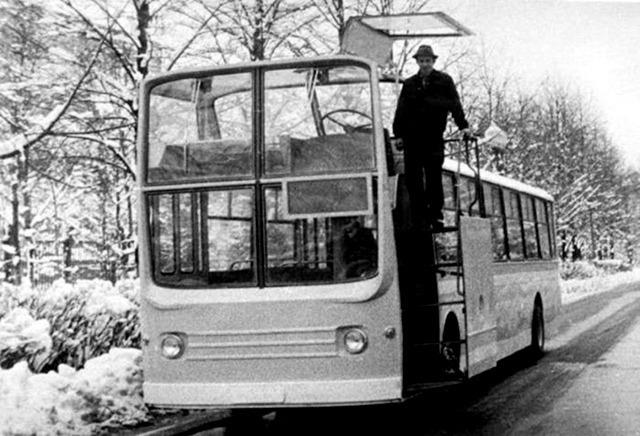 автобус НАМИ-0159