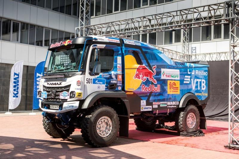 Новый грузовик КамАЗ