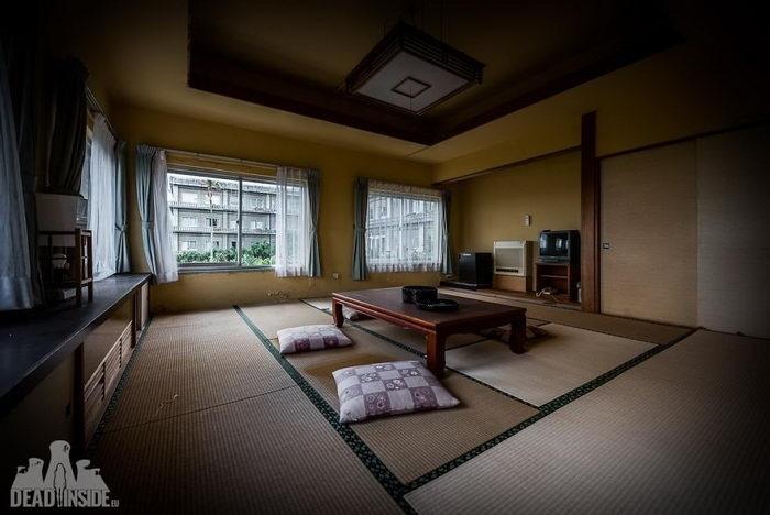 заброшенный отель в Японии