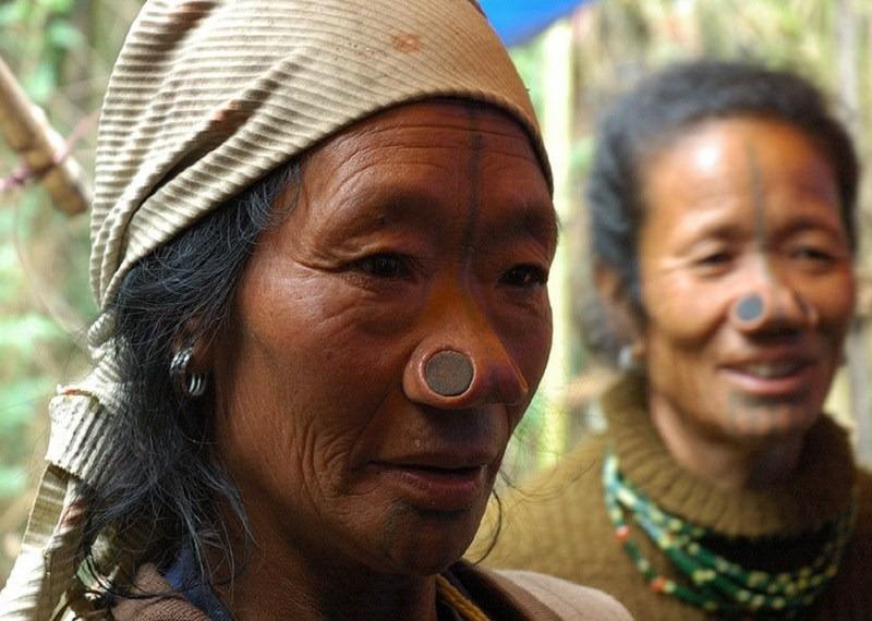 женщины народа Апатани