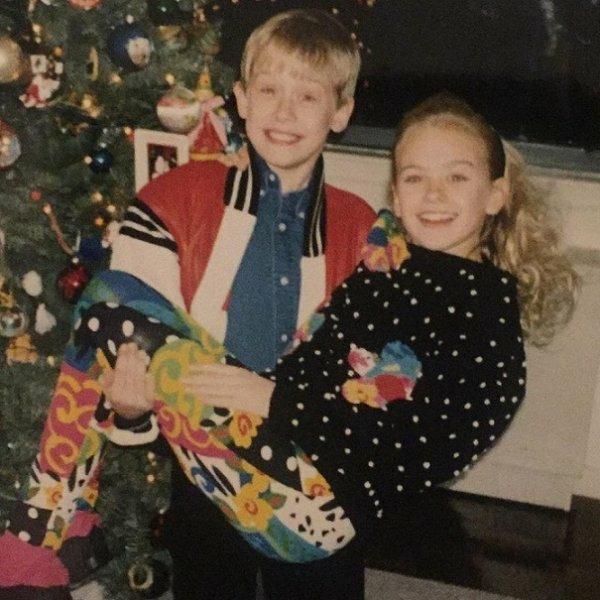 Маколей Калкин с одноклассницей Лорой, Рождество 1991 года.