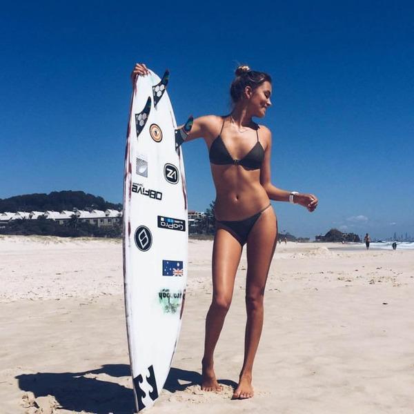 серфингистки