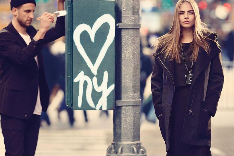 Кара Делевинь в рекламе DKNY
