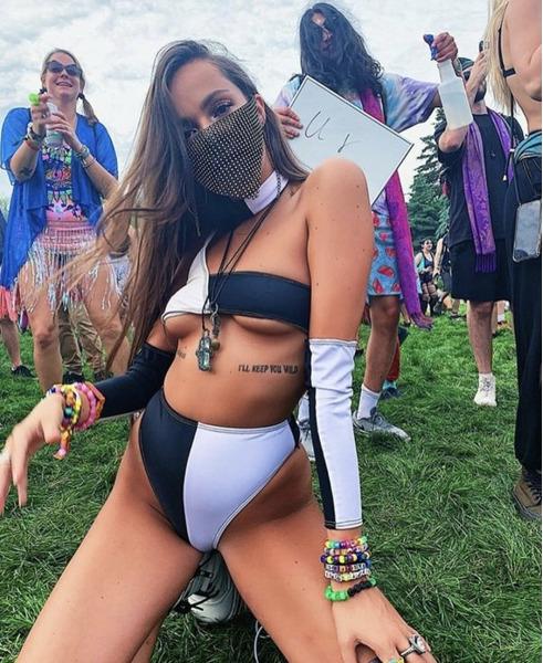 девушки на музыкальных фестивалях