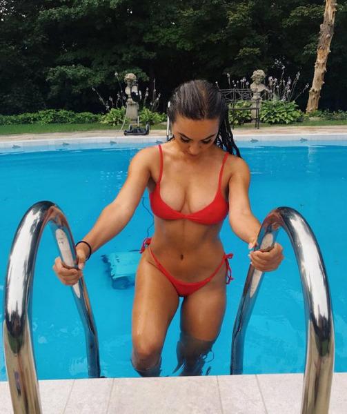Девушки во время купания