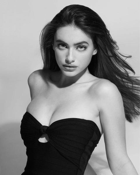 Израильская модель Яэль Шелбиа (Yael Shelbia)