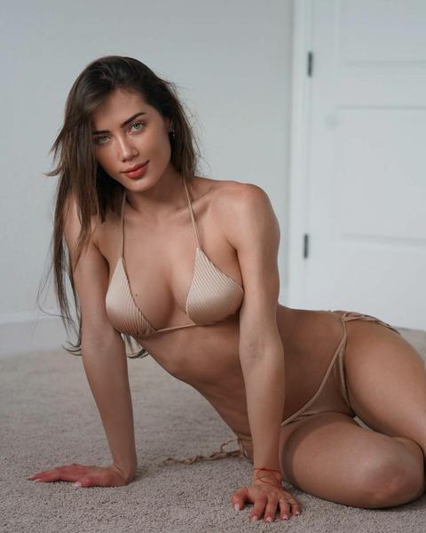Джорджина Маццео (Georgina Mazzeo)