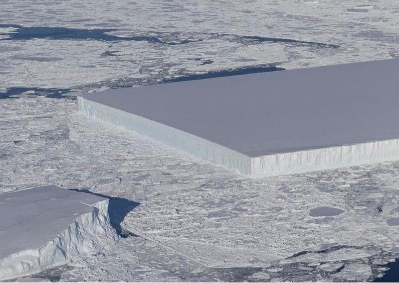 Айсберг прямоугольной формы