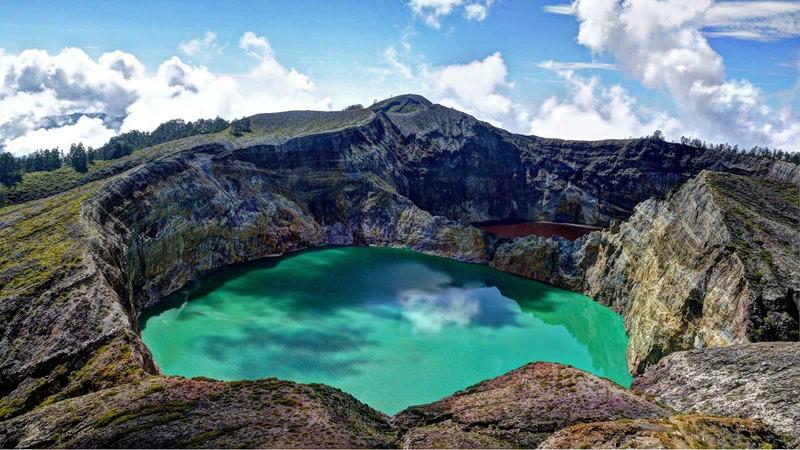Вулкан Келимуту в Индонезии