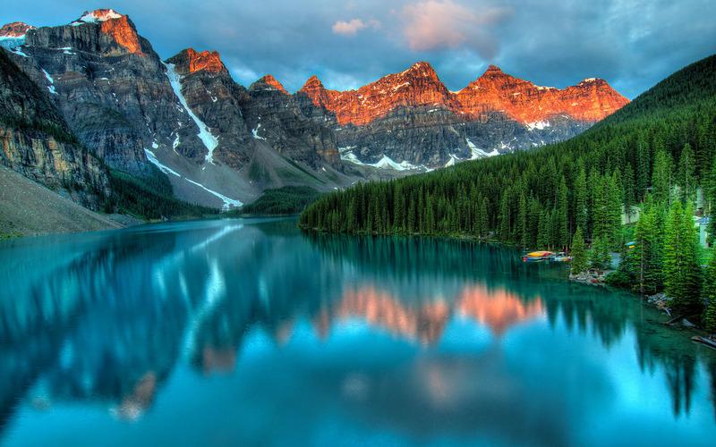 Ледниковое озеро Морейн (Moraine Lake) в Канаде