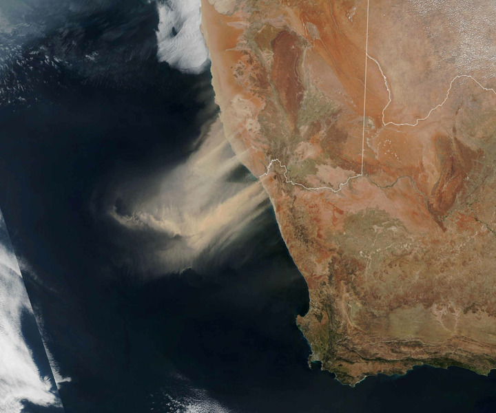 Песчаная буря вид из космоса