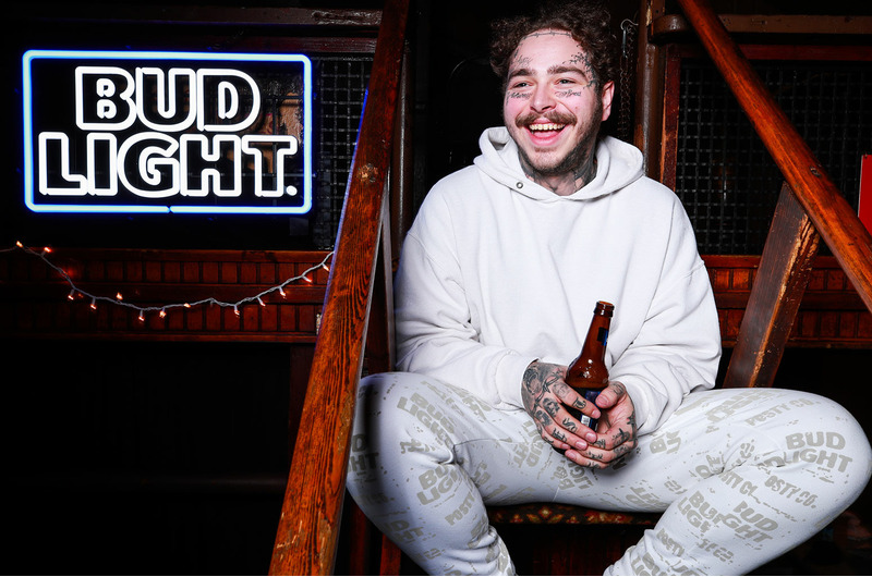 Мерч от Post Malone в коллаборации с Bud Light