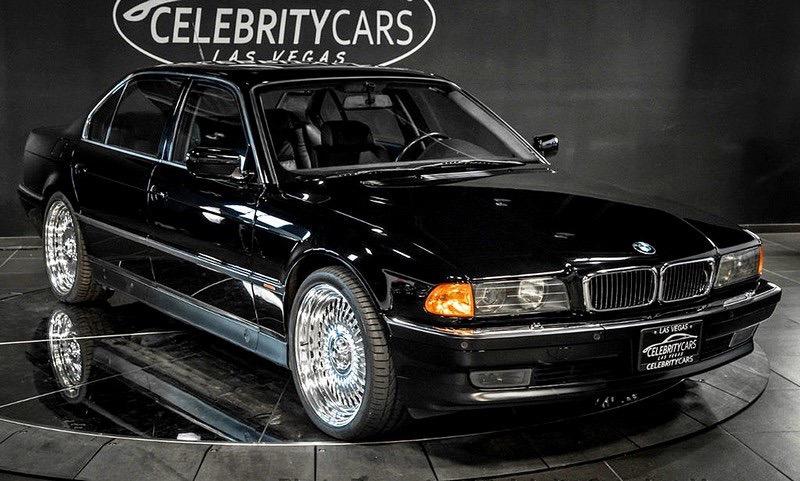 BMW в которой убили Тупака Шакура выставили на продажу за 1 600 000 долларов.