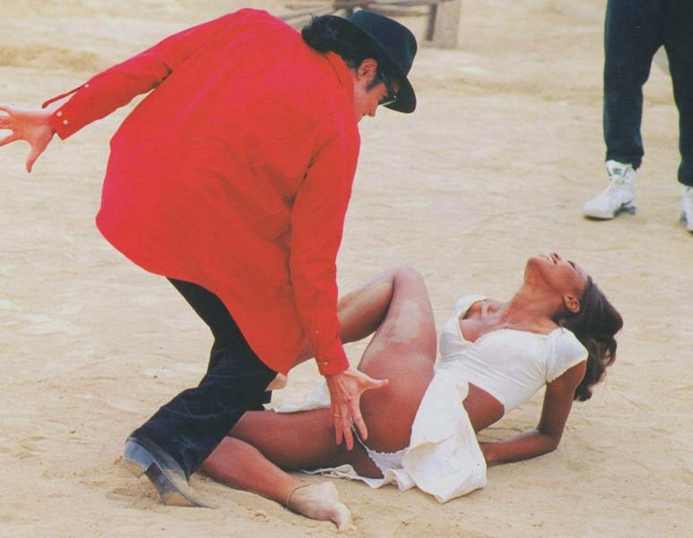 Майкл Джексон и Наоми Кэмпбелл на съемках клипа In the Сloset США 1991 год.