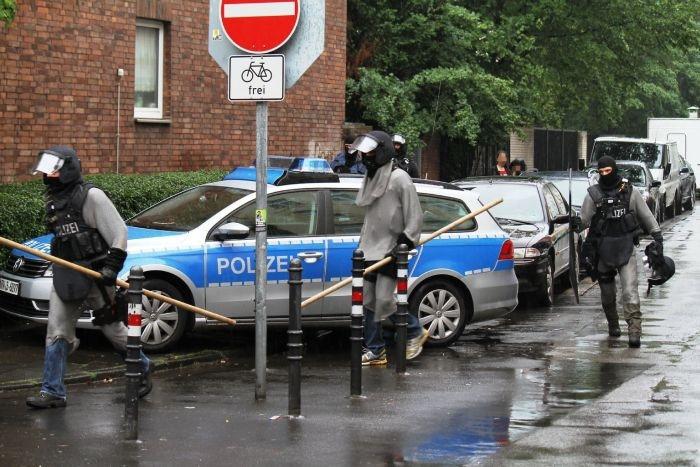 Немецкие полицейские в кольчуге