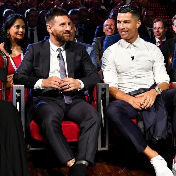 Месси с Роналду на фото