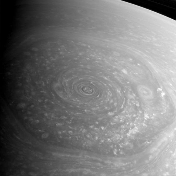 Гигантский шестиугольник Сатурна