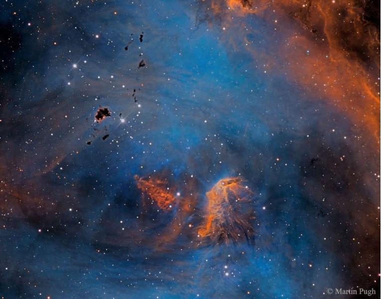 Звезды и глобулы в туманности Бегущий Цыпленок