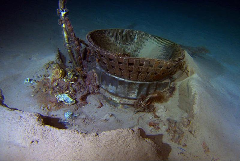Часть двигателя Сатурн-5 на дне Атлантического океана.