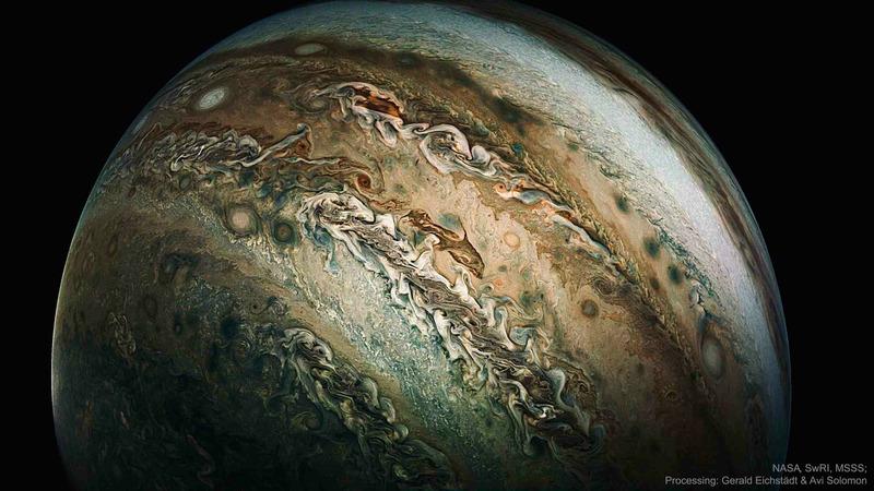 Облако в форме дельфина на Юпитере