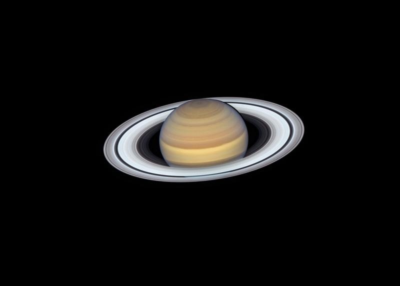 Новое изображение Сатурна от телескопа Хаббл