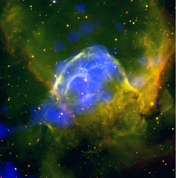 Эмиссионная туманность NGC 2359 (Шлем Тора)
