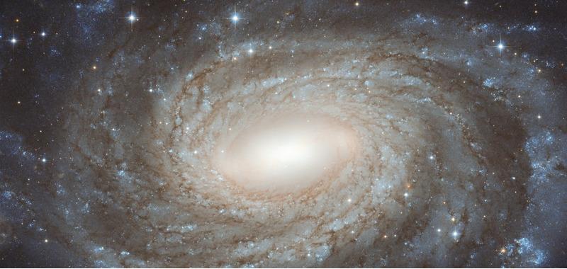 Спиральная галактика NGC 6384 в созвездии Змееносец