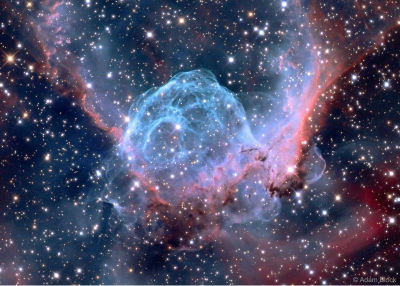 Эмиссионная туманность Шлем Тора (NGC 2359)
