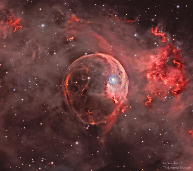 Расширяющаяся туманность Пузырь (NGC 7635)