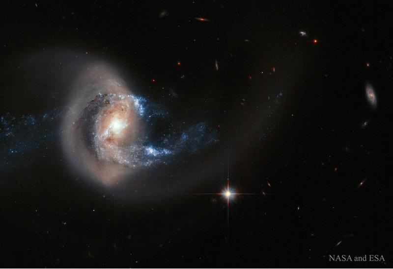 Галактика NGC 7714 после столкновения