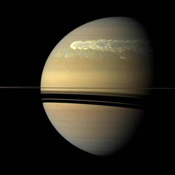 Огромный шторм в атмосфере Сатурна