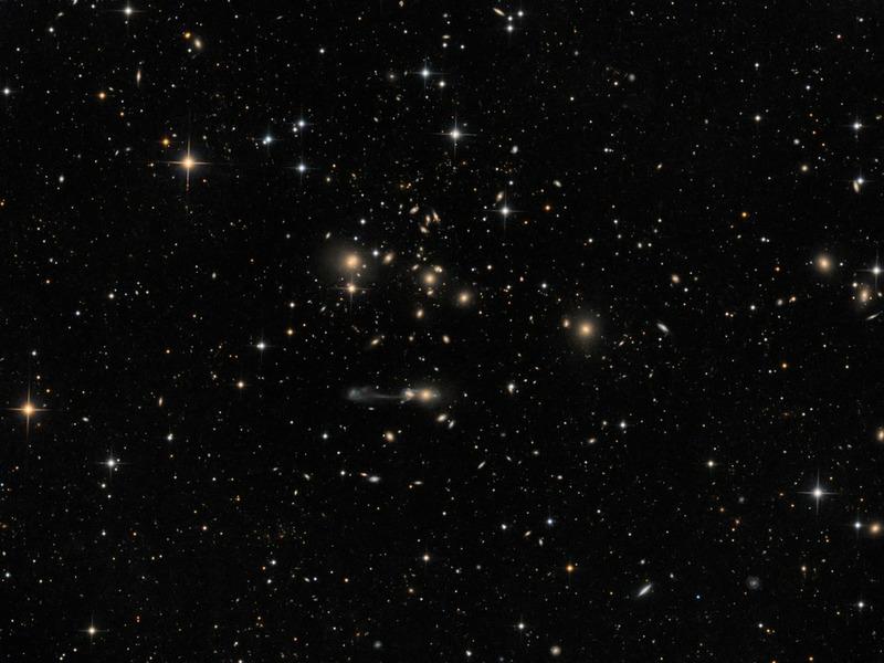 Галактическое скопление Abell 1185