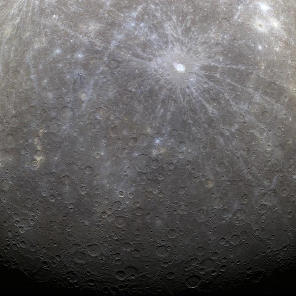 Первый снимок Меркурия с аппарата Мессенджер