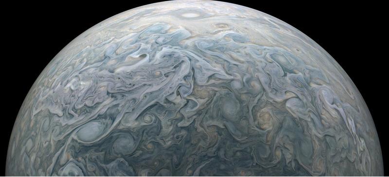 снимки Юпитера от зонда Юнона