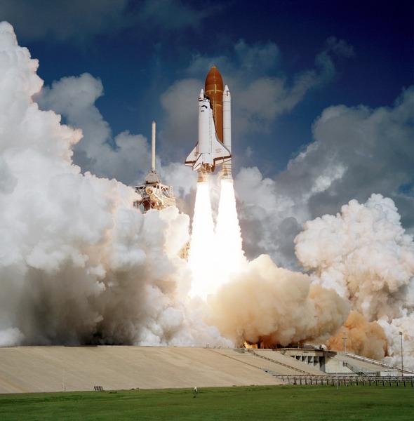 Первый запуск шаттла Атлантис, 3 октября 1985 года.