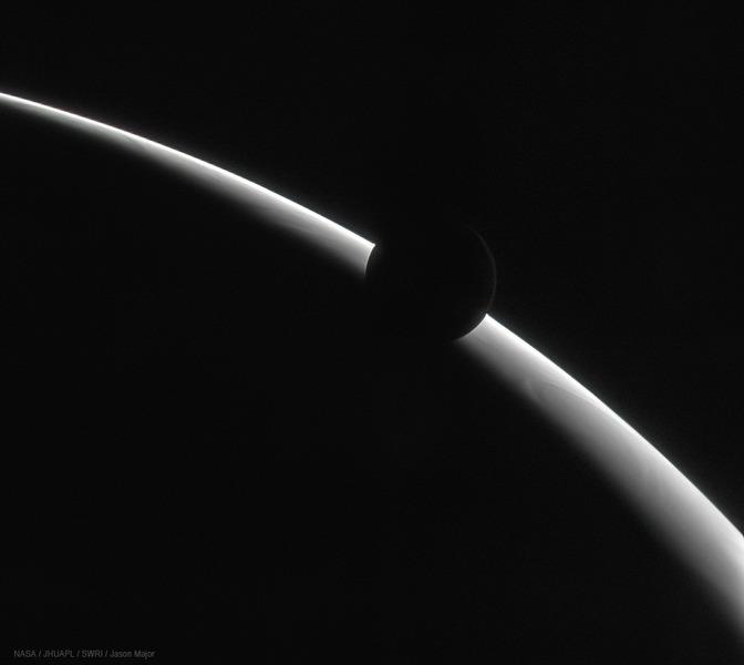 Спутник Ганимед на фоне Юпитера