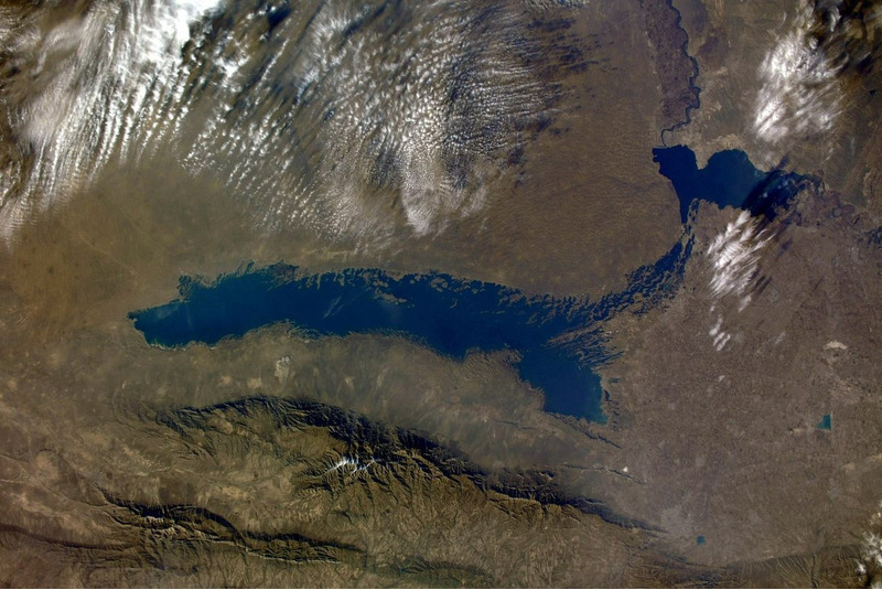 Озеро Айдаркуль с МКС Фото космонавта: Сергея Кудь-Сверчкова