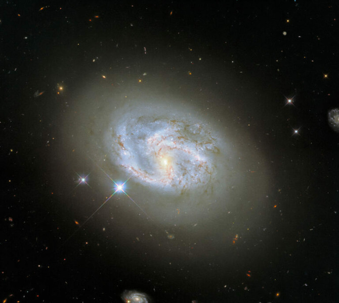 Галактика NGC 4680