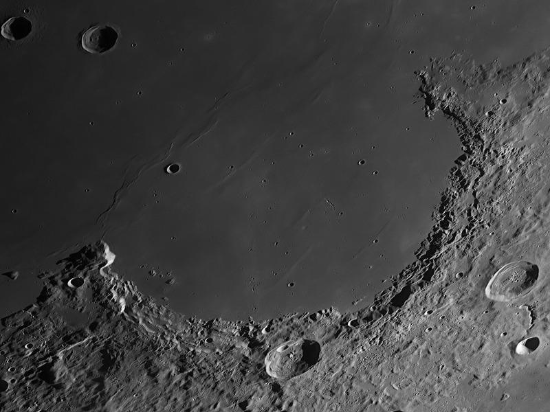 Горы Юра на Луне