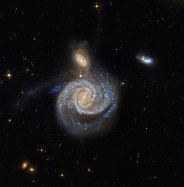Спиральная галактика с перемычкой NGC 7674