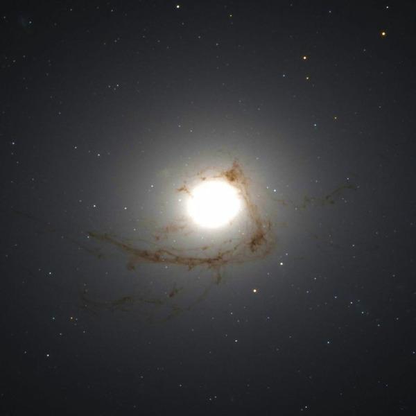 Галактика NGC 4696