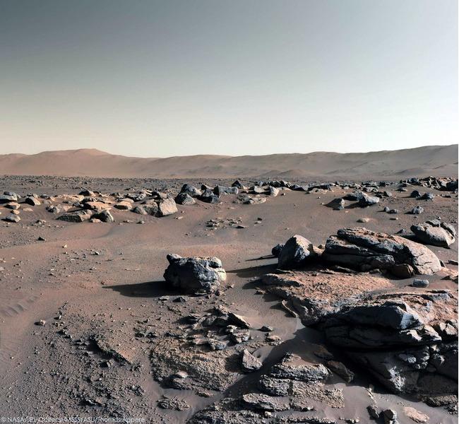 Солнечный день на Марсе