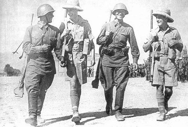 Встреча красноармейцев и британских пехотинцев